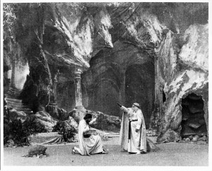 MVRW PARSIFAL 1904Frame 6 from Edison's Parsifal (1904)