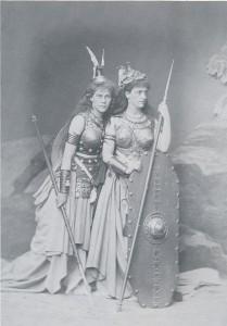 MVRW BAYREUTH 1876 LEHMANN Marie et Lili Walkyries
