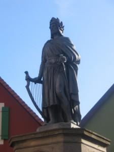 Monument représentant Wolfram von ESCHENBACH (1170-1220) érigée par le roi Maximilien II de Bavière à la gloire du chanteur allemand en 1860