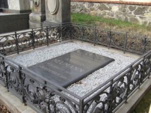 Tombe d'Angelo Neumann