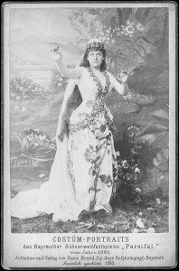 1883-Therese_Malten_as_Kundry_bayreuth