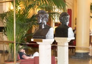 WEB-Grand-Hotel-et-des-Palmes-Buste-RW