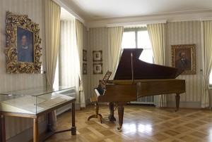 Erard-Fluegel-in-Tribschen-1